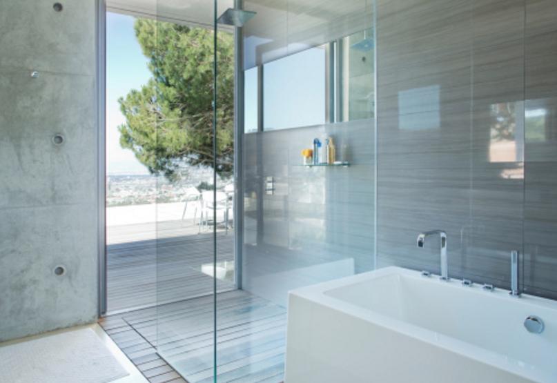 Mamparas de vidrio en duchas y bañeras