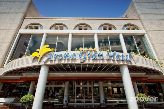 Remodelación de las mamparas de baño del Spring Arona Gran Hotel.